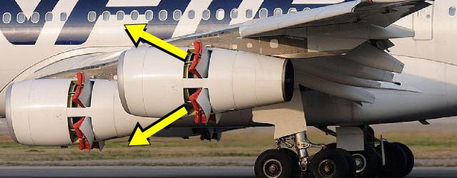 Clamshell reverser doors open on an Airbus A340