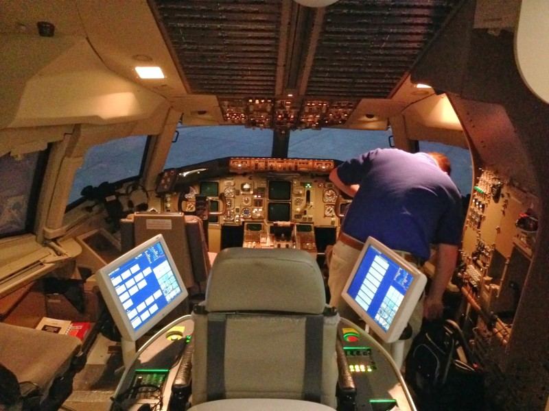 767 Simulator with instuctor station