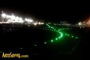 Green centerline lights - Airport Lights - AeroSavvy
