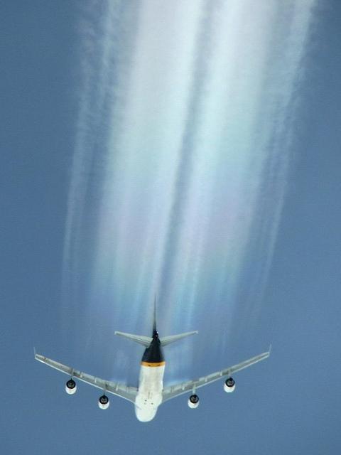 747 - Aerodynamic Contrails